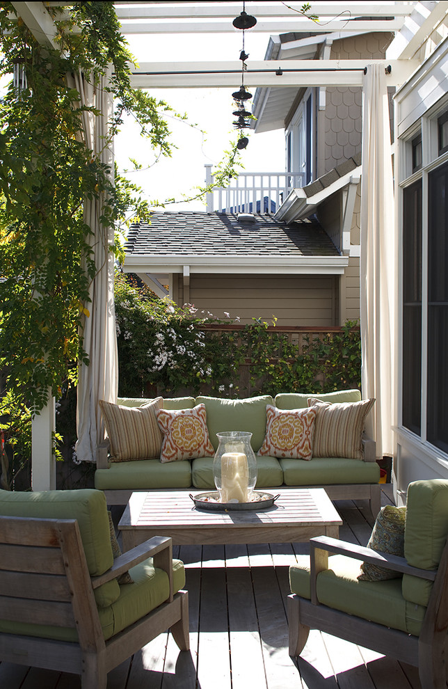 Inspiration for a timeless porch remodel in San Francisco with a pergola