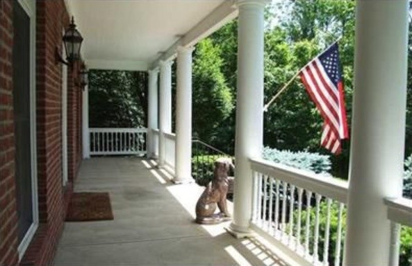 Inspiration for a timeless porch remodel in Columbus