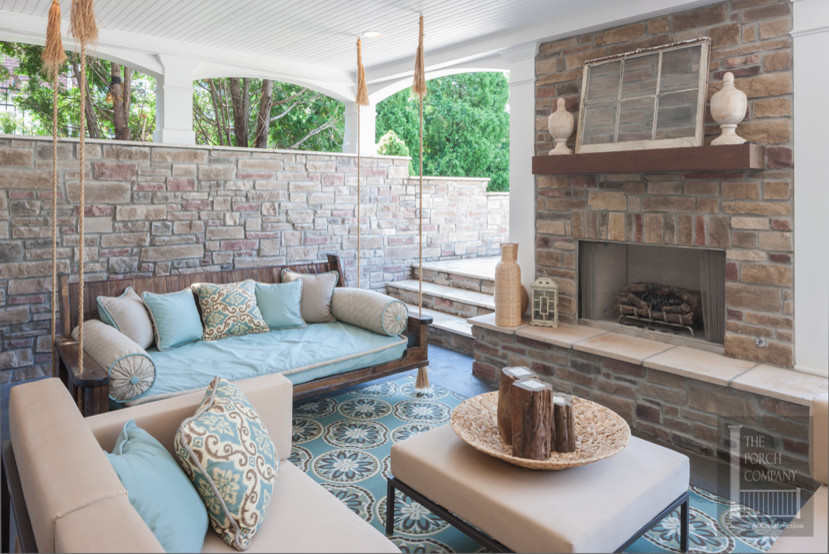 Inspiration for a contemporary porch remodel in Nashville