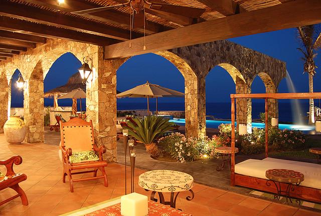 VILLA ESTERO mediterranean-porch
