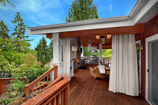 Wittman Deck traditional-porch