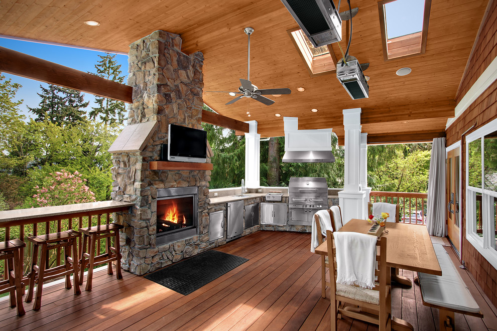 Inspiration for a timeless porch remodel in Seattle