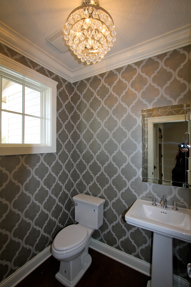 Example of a classic powder room design in Minneapolis