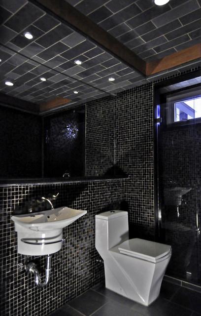 Contemporary ranch residence for Modern ranch bathroom