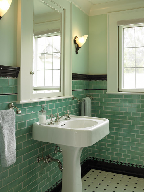 Can i paint my 1950 39 s green tile small bathroom dark green for 1950 bathroom ideas