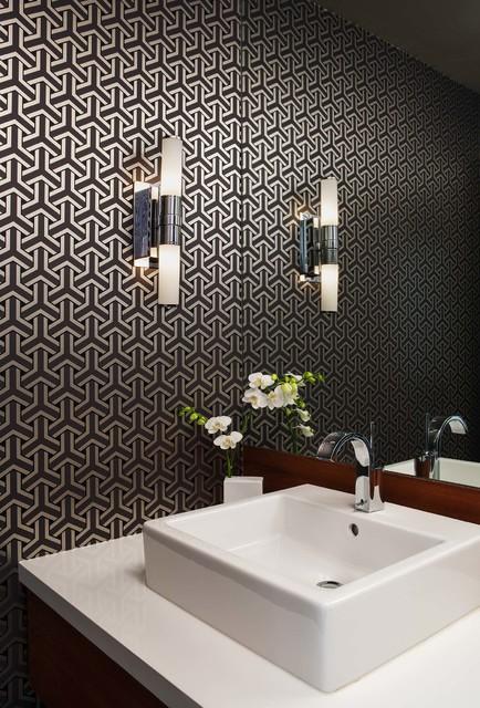 Idées déco pour un WC et toilettes rétro de taille moyenne avec une vasque et un mur multicolore.