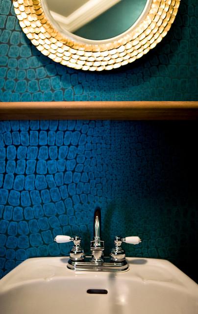 Haut en couleurs eclectic-powder-room