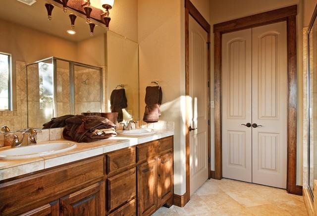 Lago Vista Waterfront Home traditional-powder-room