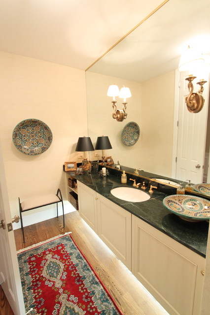 Lake Forest traditional-powder-room