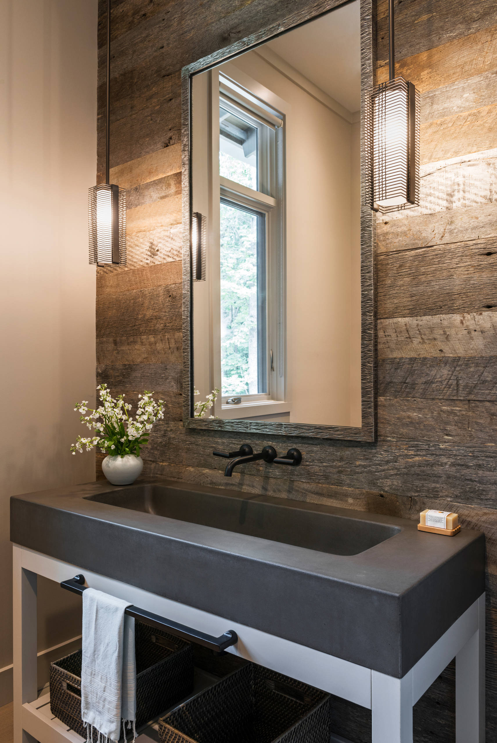 75 Beautiful Farmhouse Powder Room Pictures Ideas January 2021 Houzz