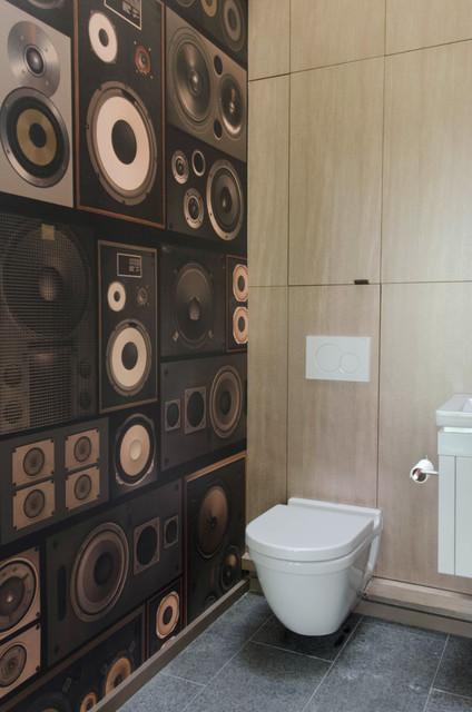 How To Create A Greyscale Bathroom: Newton Residence