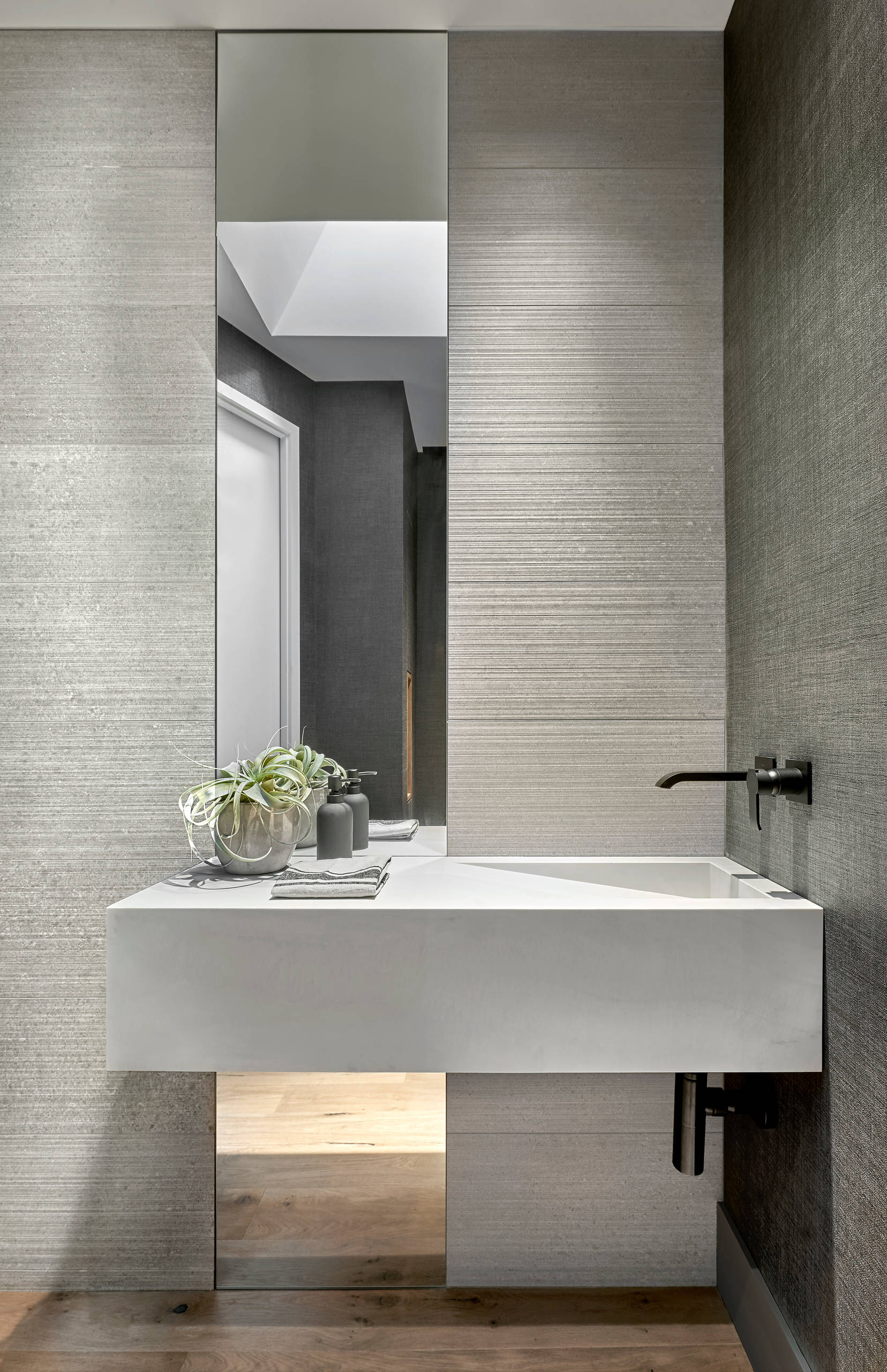 75 Beautiful Modern Powder Room Pictures Ideas December 2020 Houzz