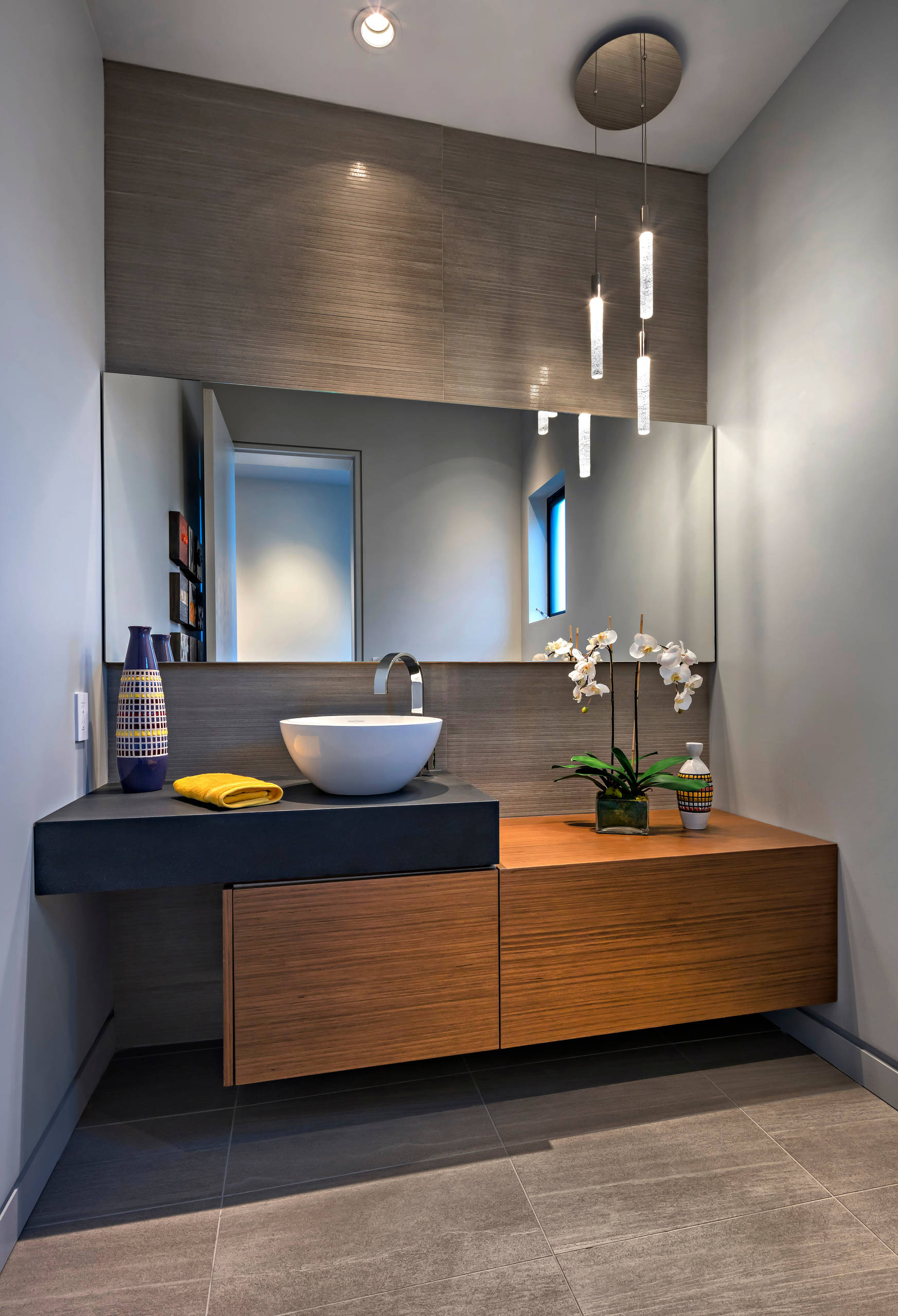 75 Beautiful Large Powder Room Pictures Ideas February 2021 Houzz