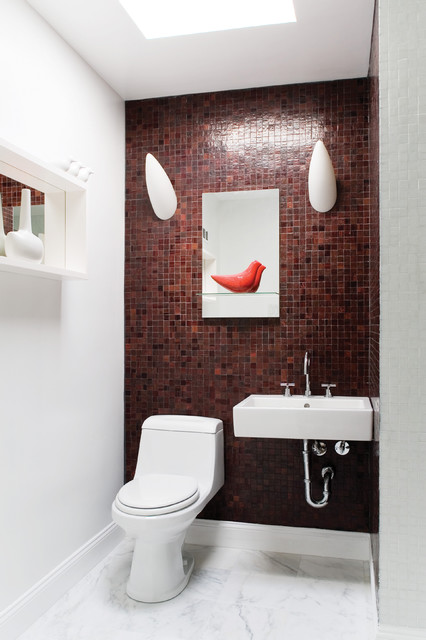 Supon Phornirunlit/ Naked Decor modern powder room