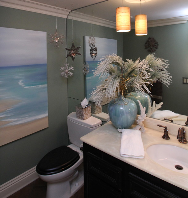 Christmas decorating like a pro traditional bathroom for Bathroom xmas decor
