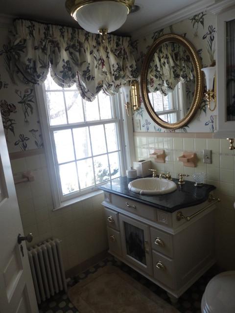 Vintage Powder Room