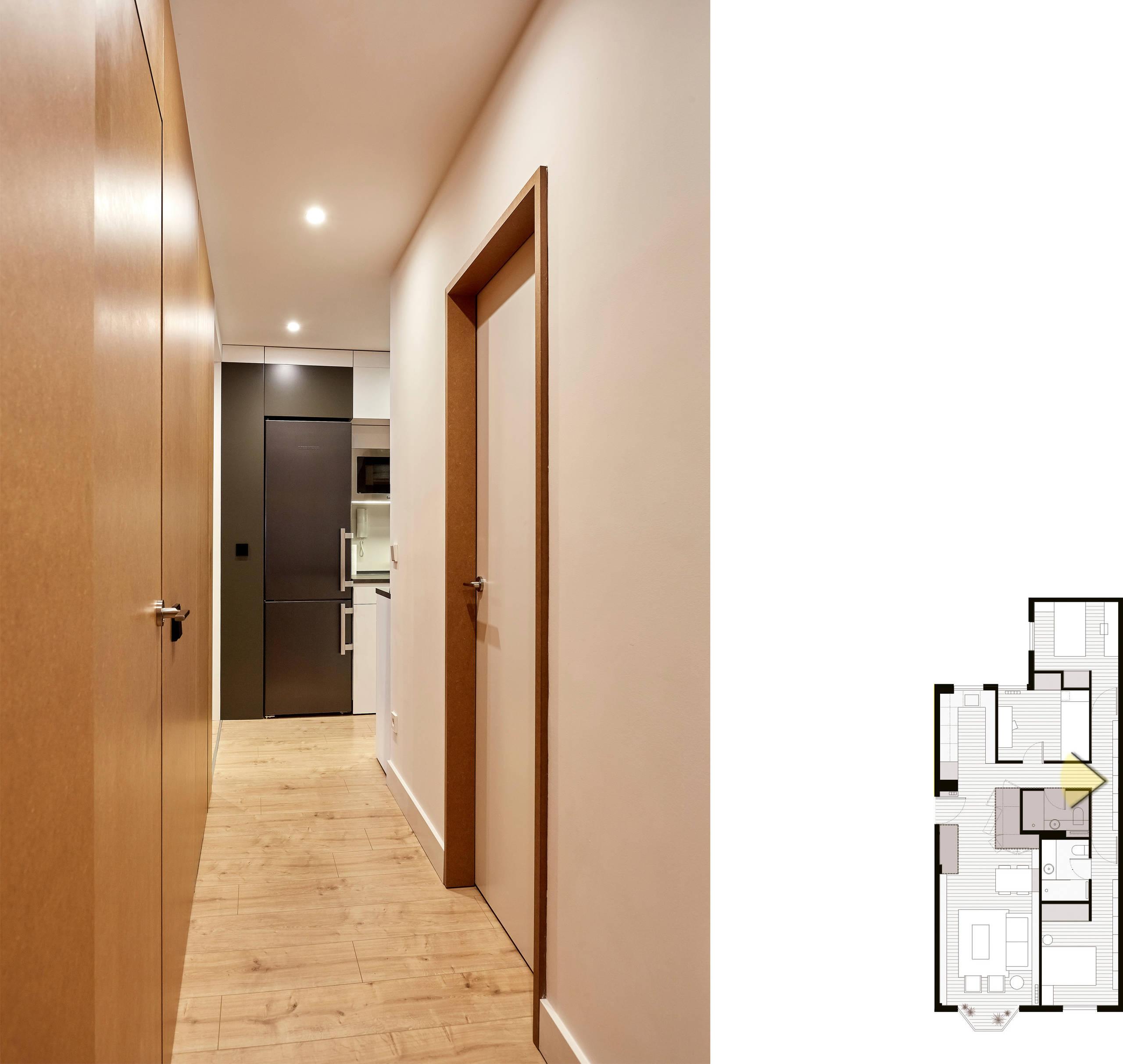 Vista general del pasillo, hacia la cocina.