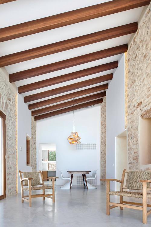 Casa mediterránea de un piso moderno