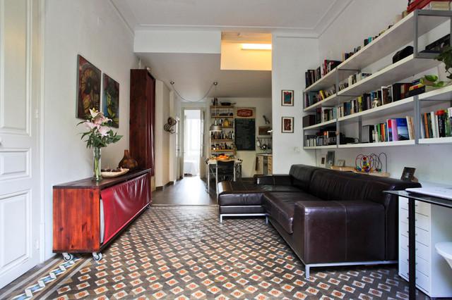 piso con preciosos suelos hidr ulicos en el eixample
