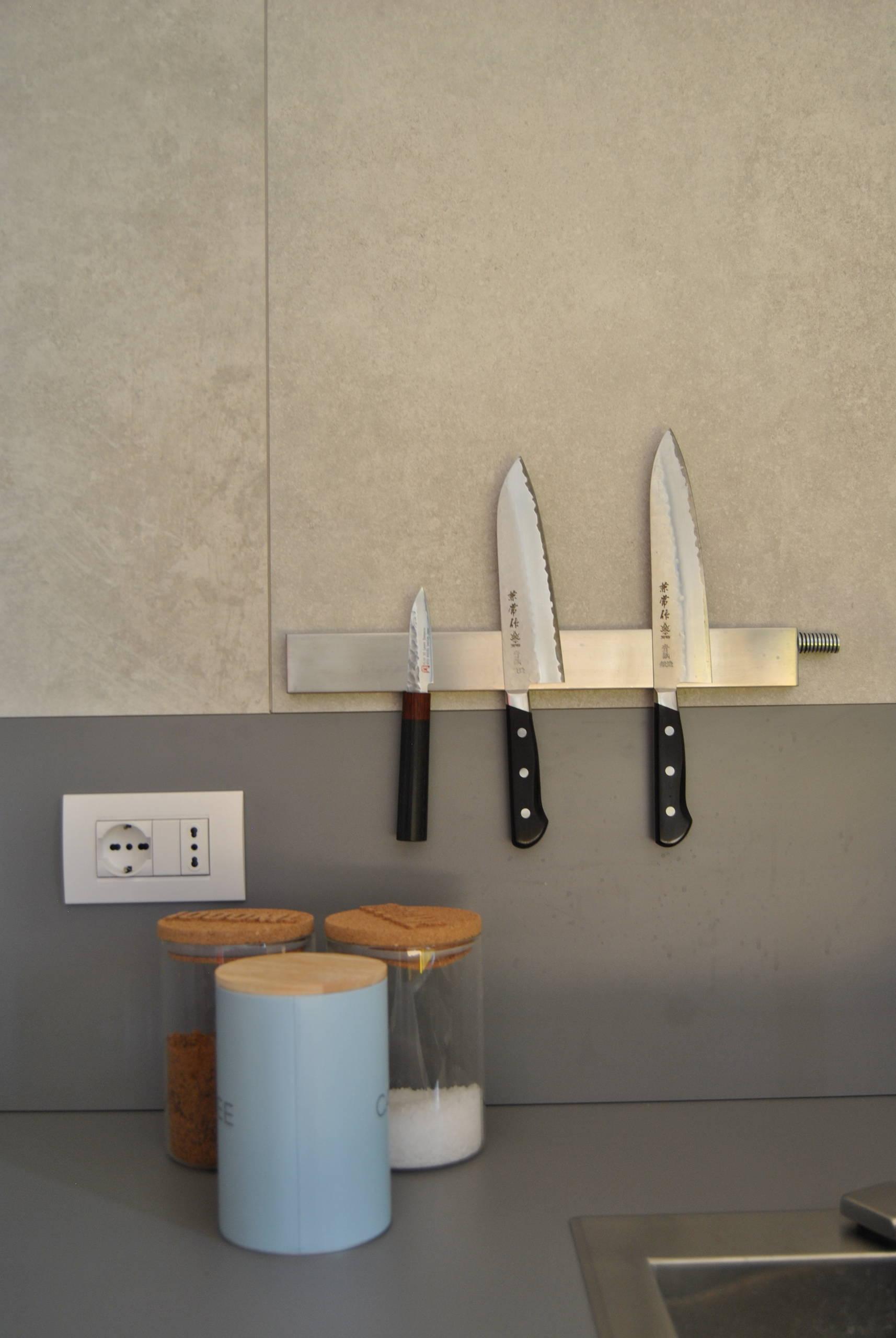 Dettaglio mobile cucina.