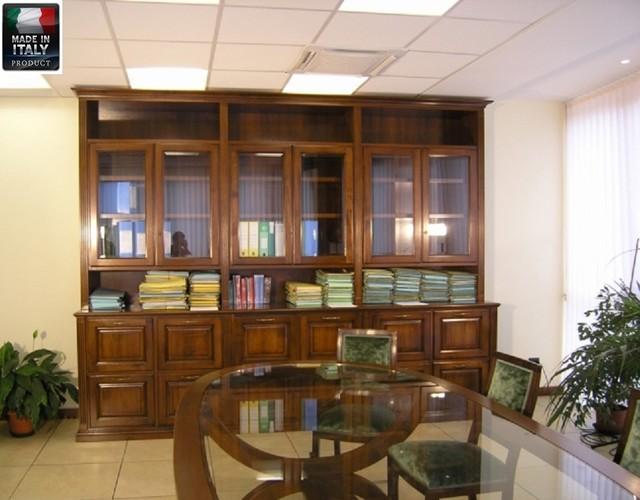 Libreria per ufficio con tavolo riunioni classico sala for Sala pranzo libreria