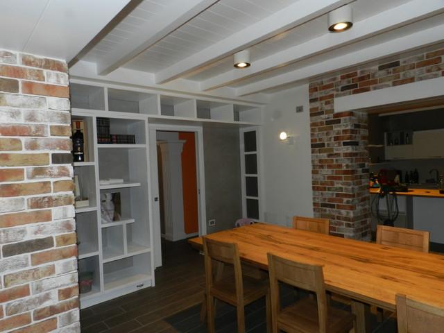 Realizzazione di taverna in stile vintage eclettico for Sala pranzo vintage