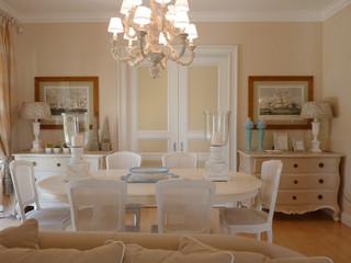 Restauro e arredamento villa al mare classico sala da for Arredamento sala da the