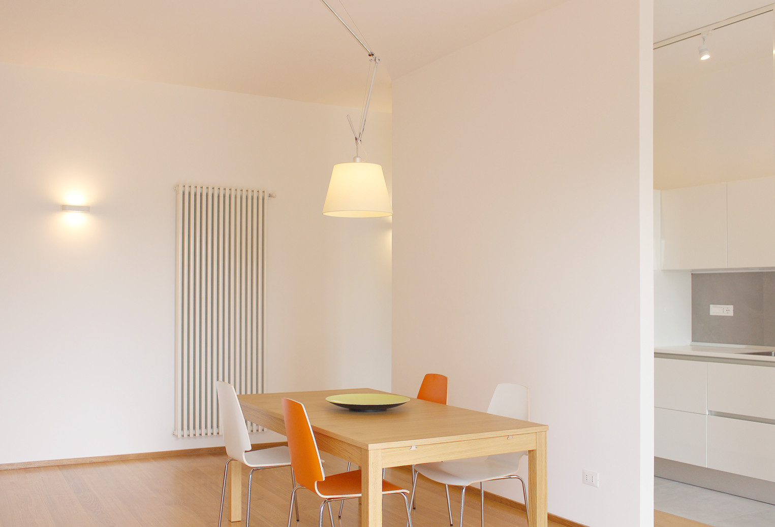 Inspiration for a contemporary dining room remodel in Catania-Palermo