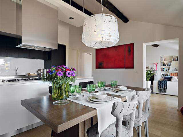 Ristrutturazione di una mansarda a la spezia contemporaneo sala da pranzo milano di - Illuminazione sala da pranzo ...