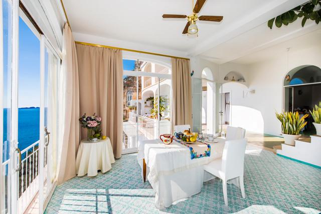 Villa fioravante sala da pranzo al mare sala da for Letti per casa al mare