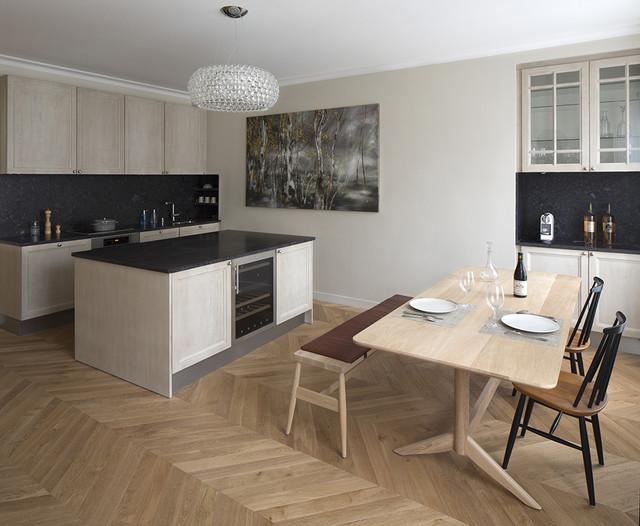 Appartement haussmannien paris artois cuisine salle for Salle a manger haussmannien