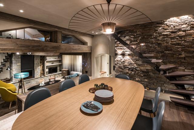 chalet contemporain m ribel rustic dining room grenoble by amdeco agence amevet. Black Bedroom Furniture Sets. Home Design Ideas