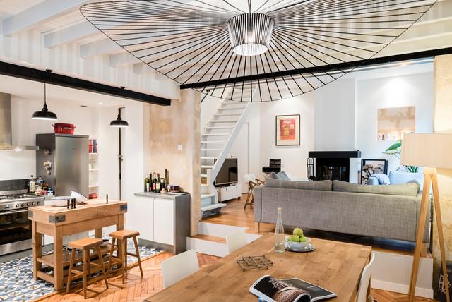 echoppe bordelaise sur lev e moderne salle manger bordeaux par stanislas ledoux. Black Bedroom Furniture Sets. Home Design Ideas