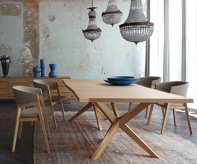 Stunning table salle a manger contemporaine roche bobois for Table salle a manger moderne