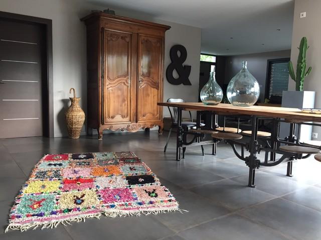 Cabane Indigo tapis berbère boucharouette - contemporary - dining room - bordeaux