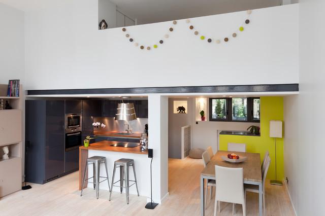 Un loft intimiste contemporain salle manger paris for Salle a manger loft