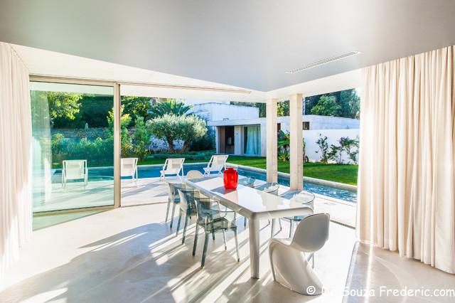 villa contemporaine vieillard fasciani contemporain salle manger marseille par. Black Bedroom Furniture Sets. Home Design Ideas