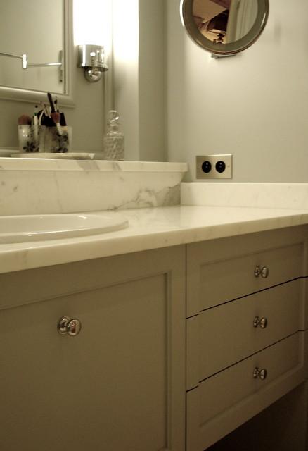 Appartement Art Déco: La salle de bains - Contemporain ...
