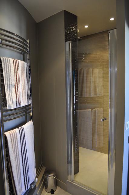 Appartement au chic parisien salle de bains for Appartement parisien decoration