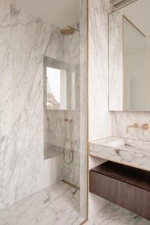 Salle de bain avec du carrelage en marbre : Photos et idées ...