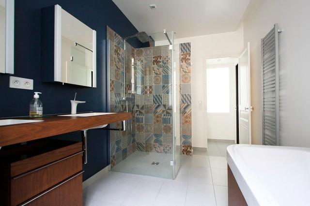 Appartement haussmannien contemporain salle de bain for Peindre la salle de bain