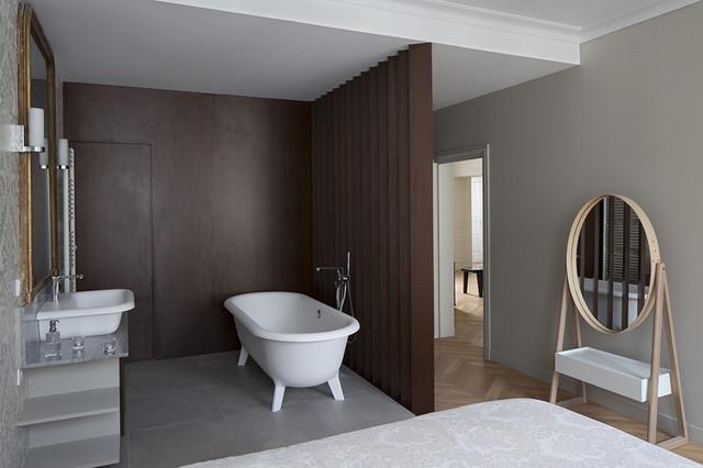 Appartement haussmannien paris artois salle de bains chambre classique chic salle de bain for Salle de bain classique chic