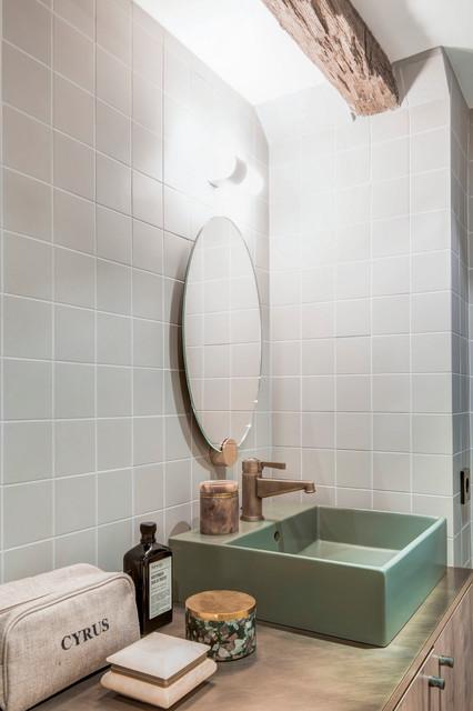Appartement sous les toits campagne salle de bain for Salle de bain sous les toits