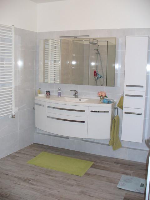 appartement vefa moderne salle de bain grenoble par desir couleurs. Black Bedroom Furniture Sets. Home Design Ideas