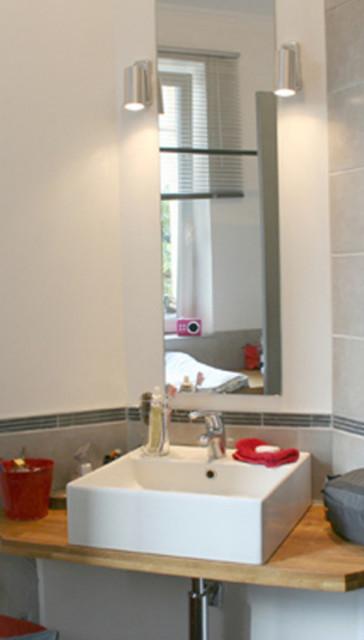 Idées déco pour une salle de bain contemporaine.