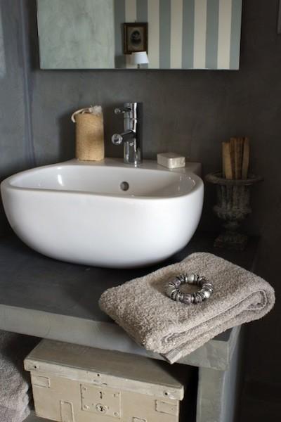 Bathroom farmhouse-bathroom