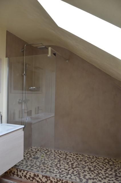b ton cir marmorino campagne salle de bain bordeaux par terre et chaux decor. Black Bedroom Furniture Sets. Home Design Ideas