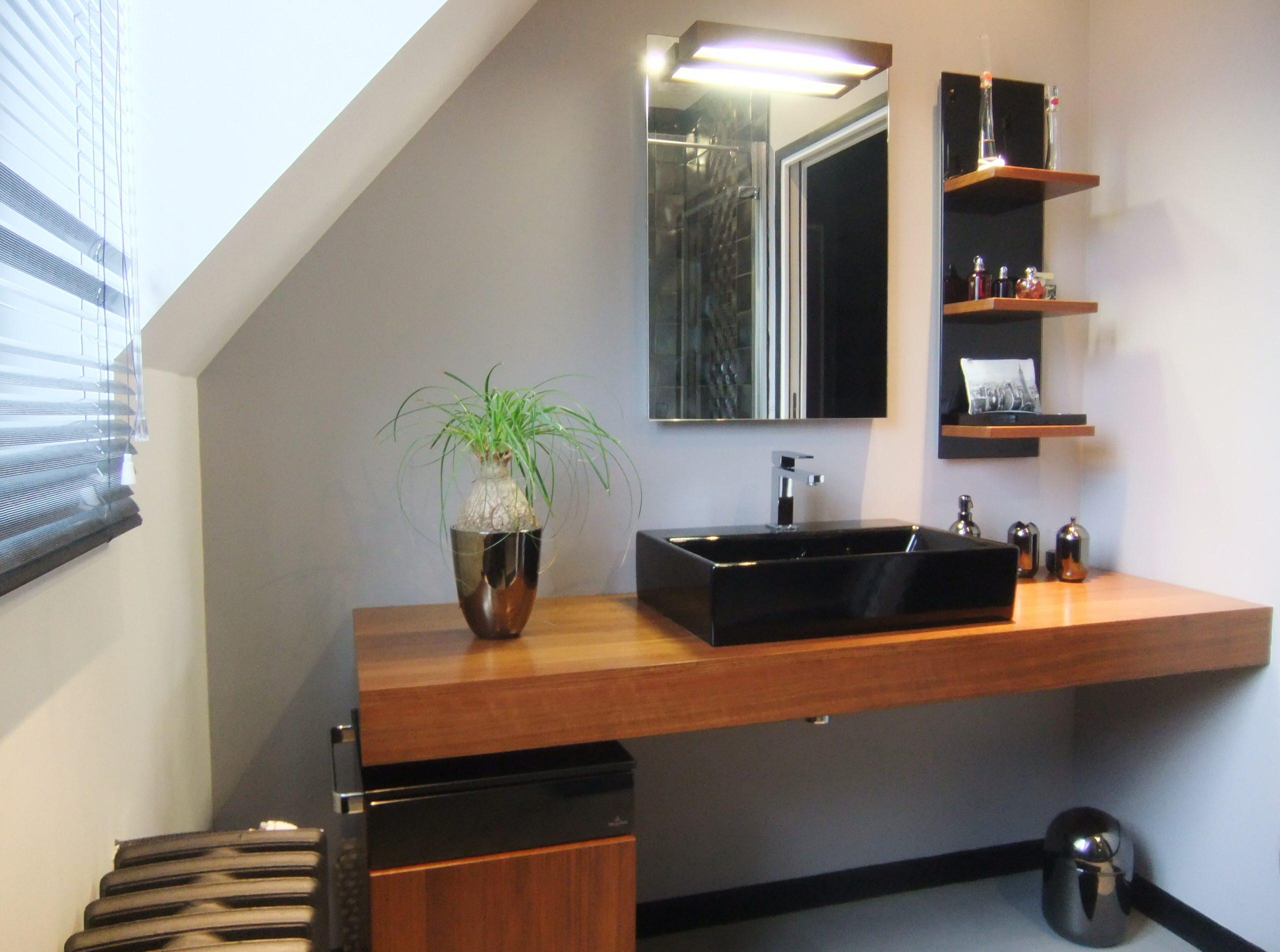 Chambre et salle d'eau pour une adolescente de 14 ans à Pontoise