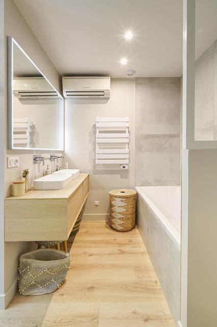 Chambre parentale avec douche et baignoire - Skandinavisch ...