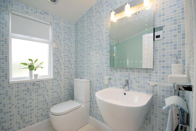 chauffage par plinthes dans salle de bains - classique - salle de ... - Plinthe Salle De Bain